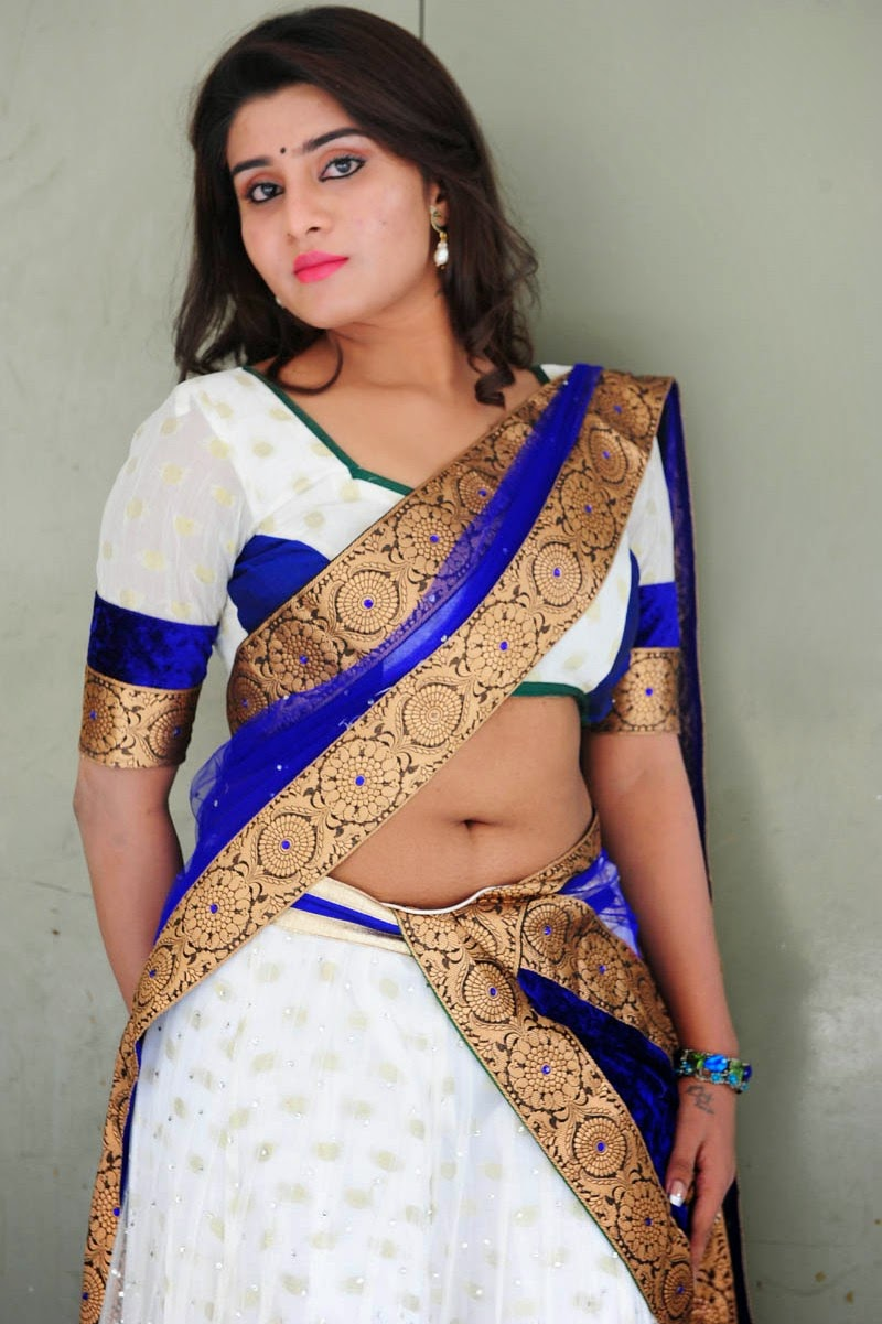 very hot saree slip navel show with huge cleavage hot