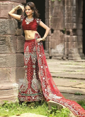 Traditional-indian-bridal-wear-lehenga-designer-collection-2017-11