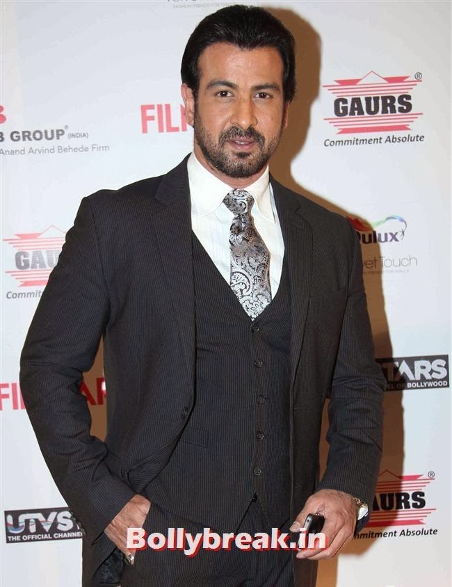 Ronit Roy, Bollywood Actors at 59th Filmfare Pre Awards Party