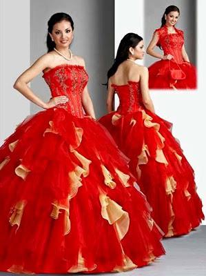 Foto de mujer con vestido de quinceañera color rojo