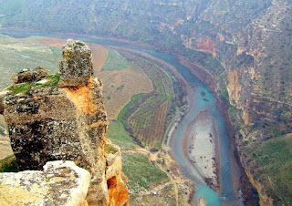 Siirt Gezi Rehberi ile ilgili aramalar siirt eğlence mekanları siirt'in tarihi eserleri nelerdir siirt manzarası siirt mağaraları siirt'te piknik yerleri siirt hakkında yorumlar siirt ulaşım siirt tarihi