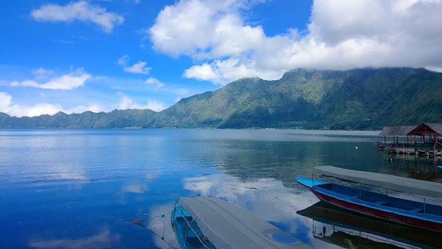 foto pemandangan danau batur