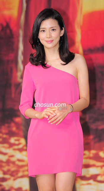 Lee Bo-young at a press event for their new drama