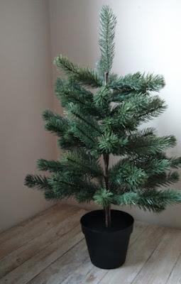Christmas tree for kids (little crochet balls)/ Choinka dla dzieci (małe szydełkowe kulki)