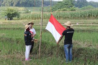 Lintas Komunitas, Gelar Upacara Bendera di Sawah