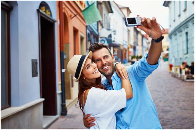 5 Isyarat Mengenali Pasangan Anda Lewat Traveling