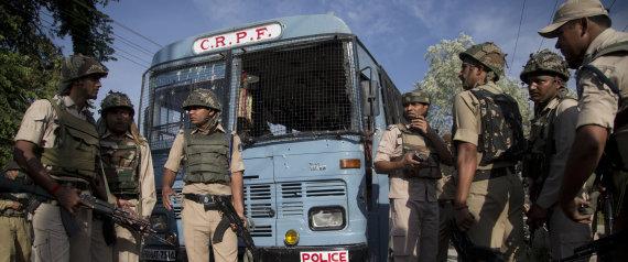जम्मू-कश्मीर में आतंकियों के हमले में सीआरपीएफ के 8 जवान शहीद, 20 घायल