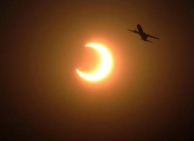 Hơn 220 triệu đồng/vé xem nhật thực từ máy bay