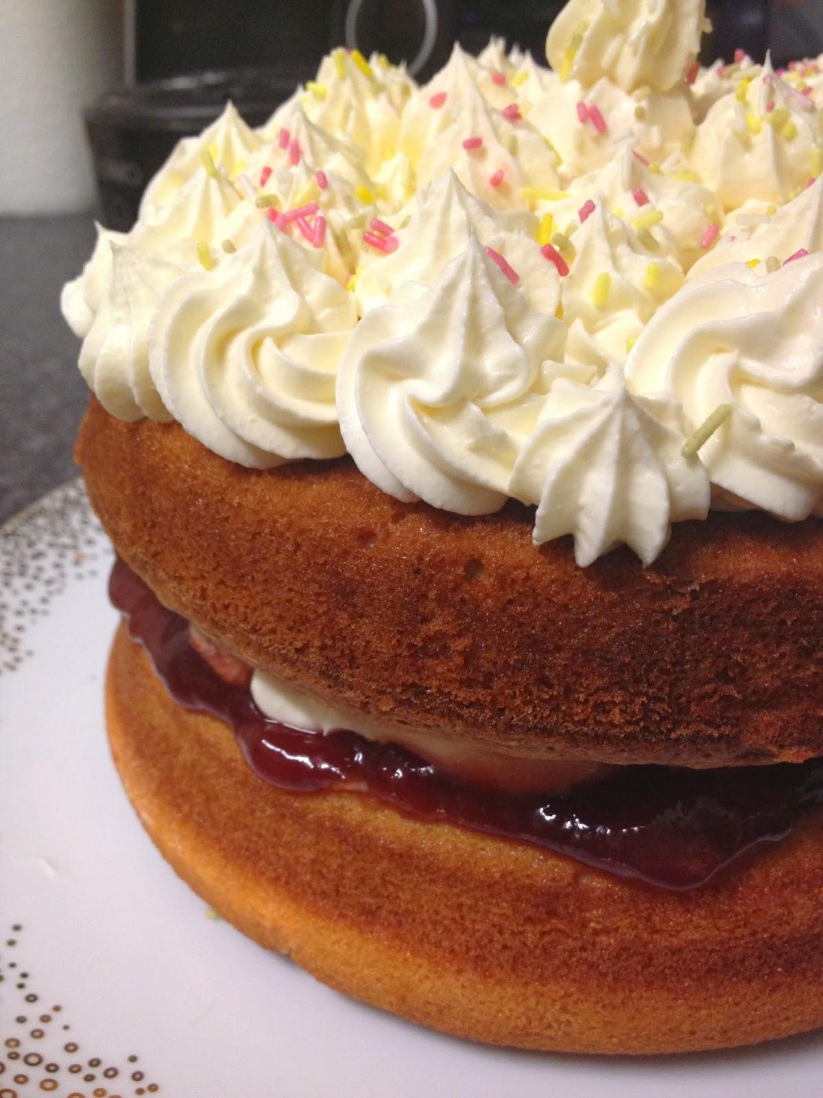 Nosaibasfood :): Vanilla Sponge Cake