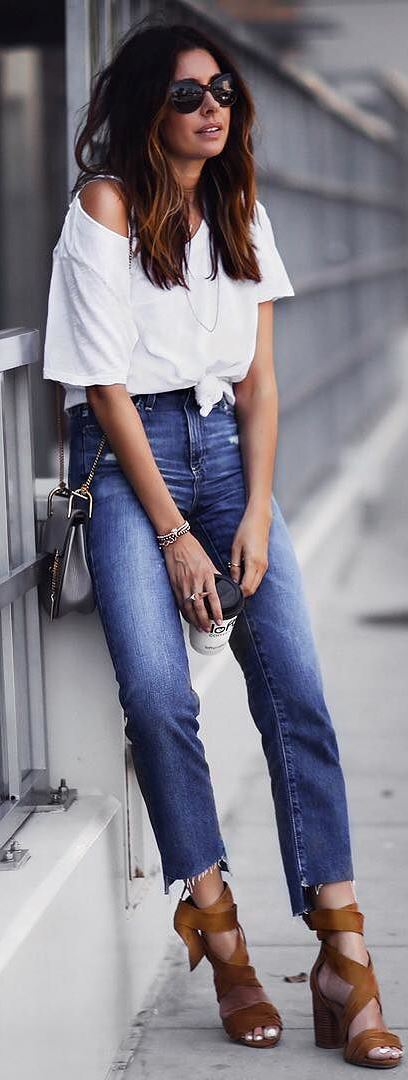 casual style inspiration: white top + bag + heels + skinnies
