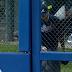 Braves reliever Chris Withrow has trouble opening bullpen door (Video)
