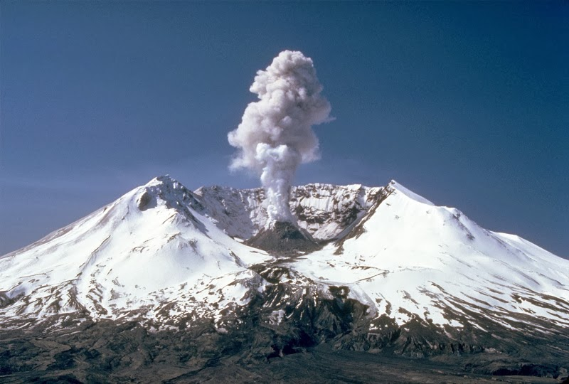 Mount St. Helens, Washington, USA - Top 10 Stunning Volcanoes Around the World