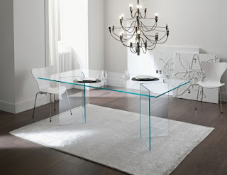 Glass tables: the pros and cons