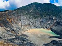 Gunung Tangkuban Perahu Bandung Barat yang Penuh Misteri
