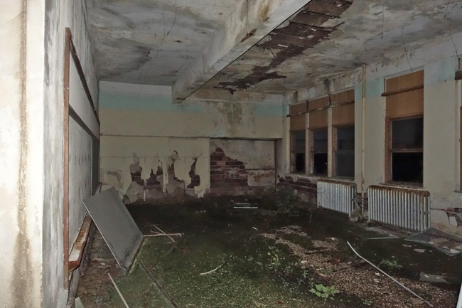 Abandoned Clutier Public School in Iowa