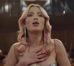 Clean Bandit lança clipe com Zara Larsson