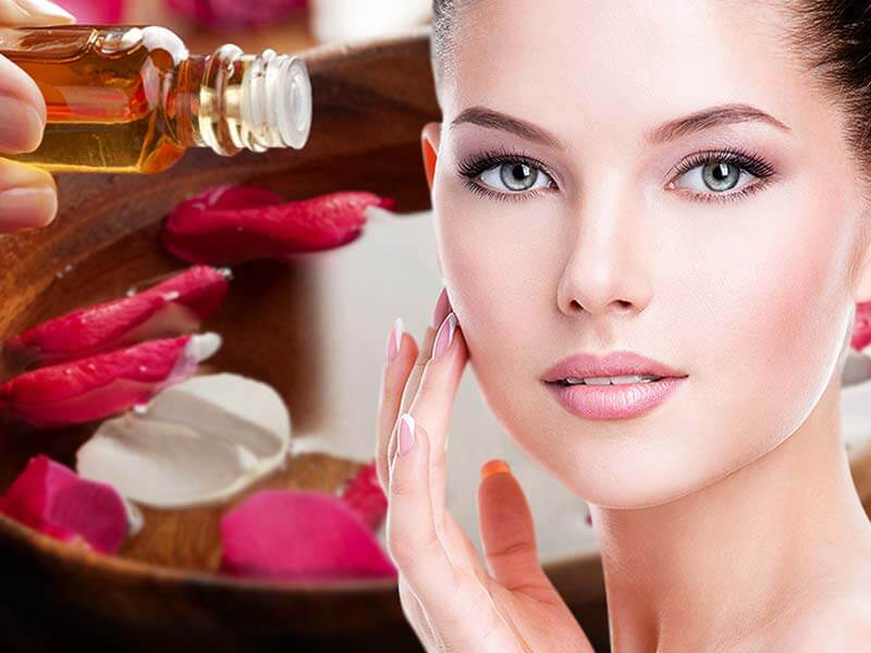 The Beauty Benefits of Rose Water