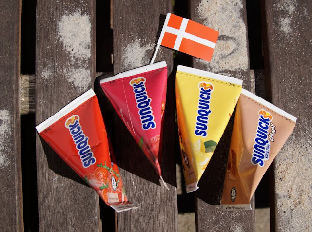 (Werbung) Den Sommer genießen: Leckeres Wassereis aus Dänemark. Eis-Essen gehört zum Sommer und zur Kindheit dazu! Ich verrate Euch auf Küstenkidsunterwegs, wo Ihr das leckere dänische Wassereis von Sun Lolly / Sunquick auch in Deutschland bestellen könnt und welche Eissorten wir und unsere Kinder am liebsten genießen.
