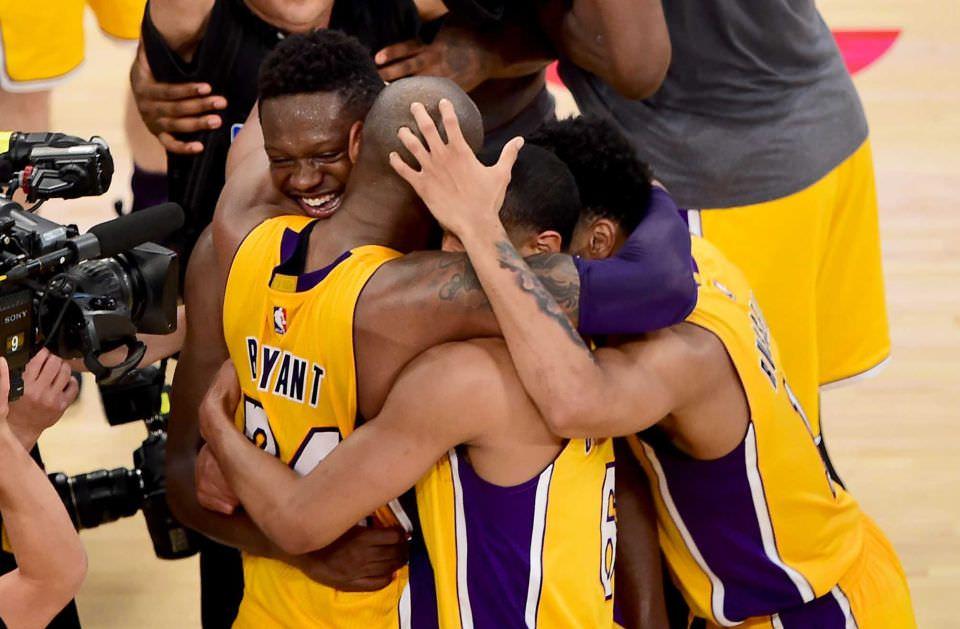 NPhotos from Kobe Bryant's Last NBA Career Game