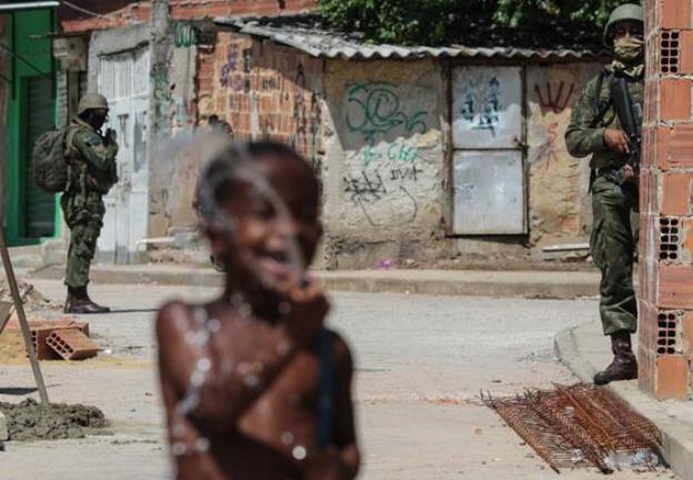 FARTAR A VILANAGEM | Os cinco mais ricos do Brasil têm tanto património como metade da população