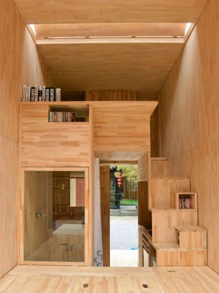 Casa miniatura hecha con madera totalmente funcional