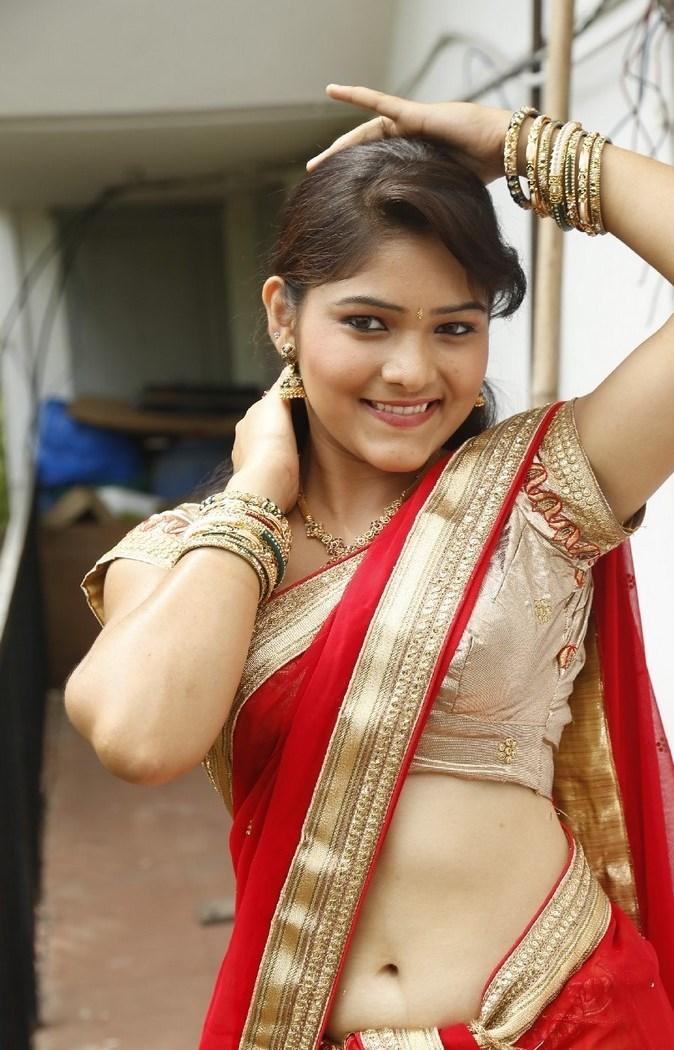 Sexy Girl Bikini New: Bindhu Madhavi hot half saree
