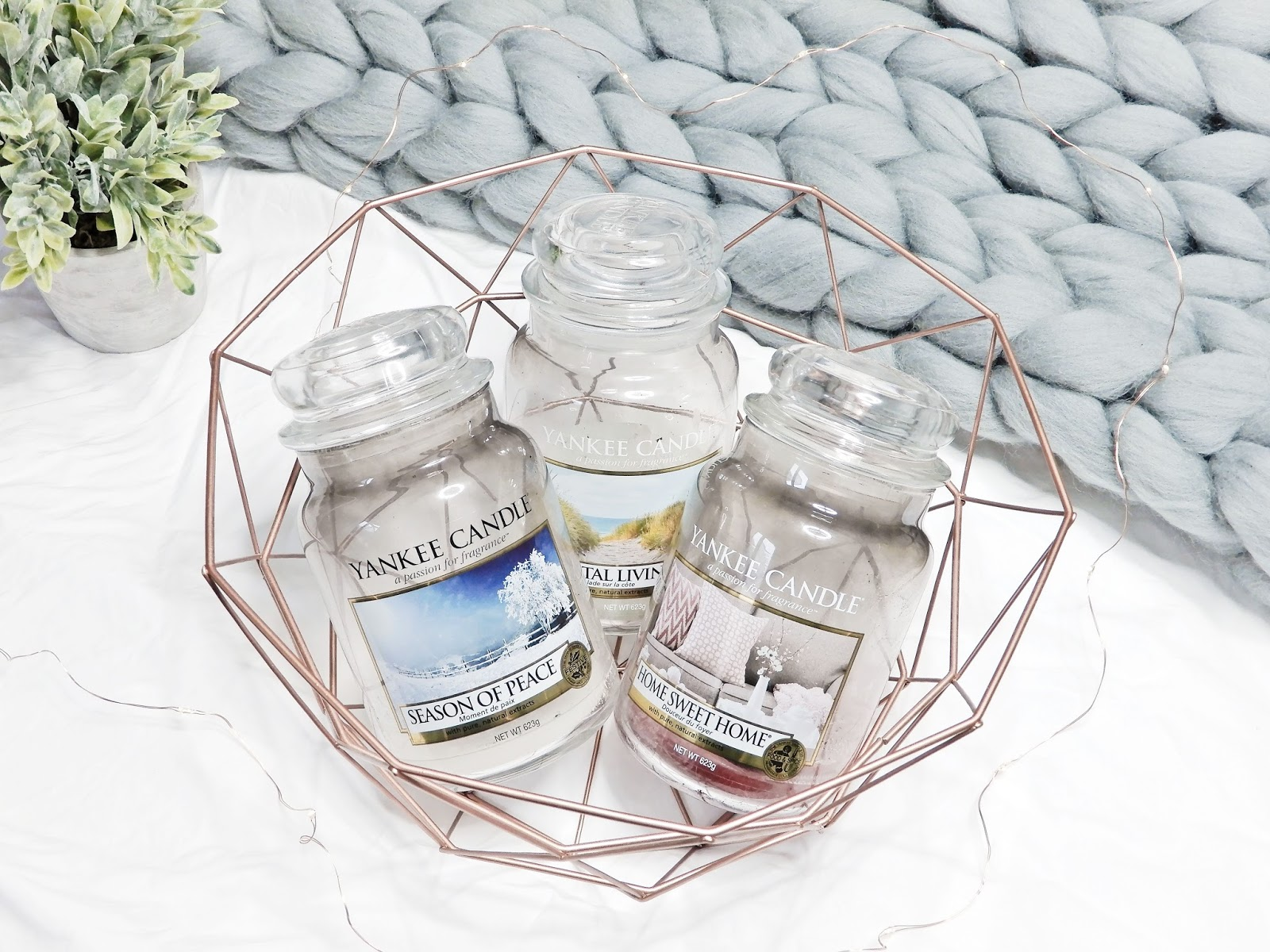 Świeca Yankee Candle Coastal Living, Świeca Yankee Candle Home Sweet Home, Świeca Yankee Candle Season of Peace,