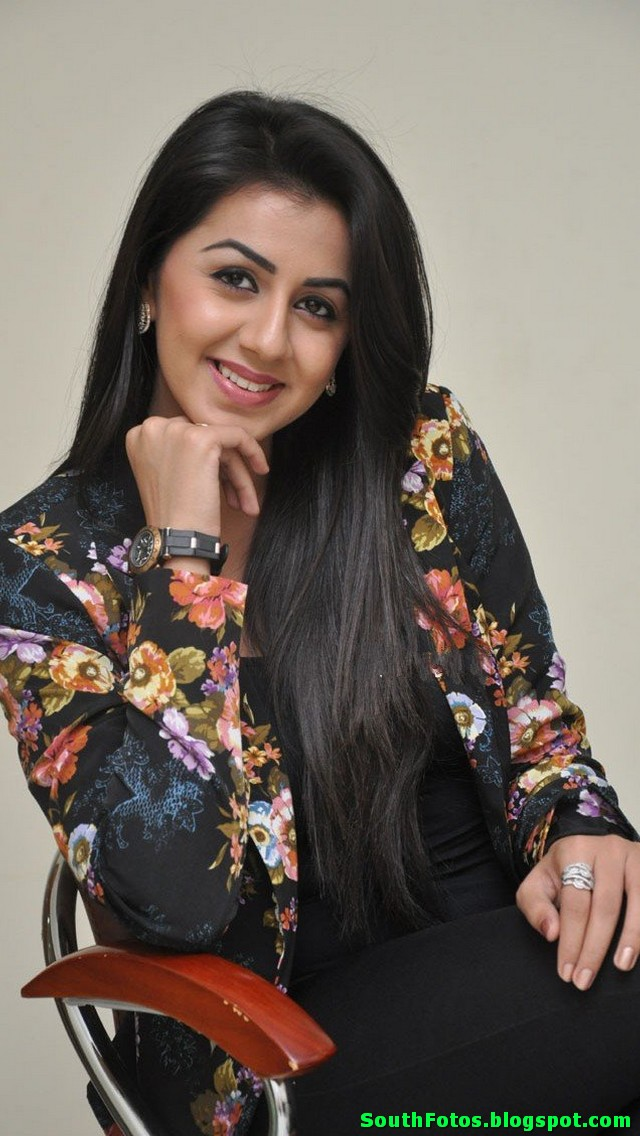 Nikki Galrani Latest Hot Photos