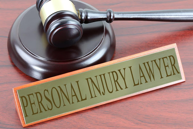 What is personal injury lawyer? What does he do?