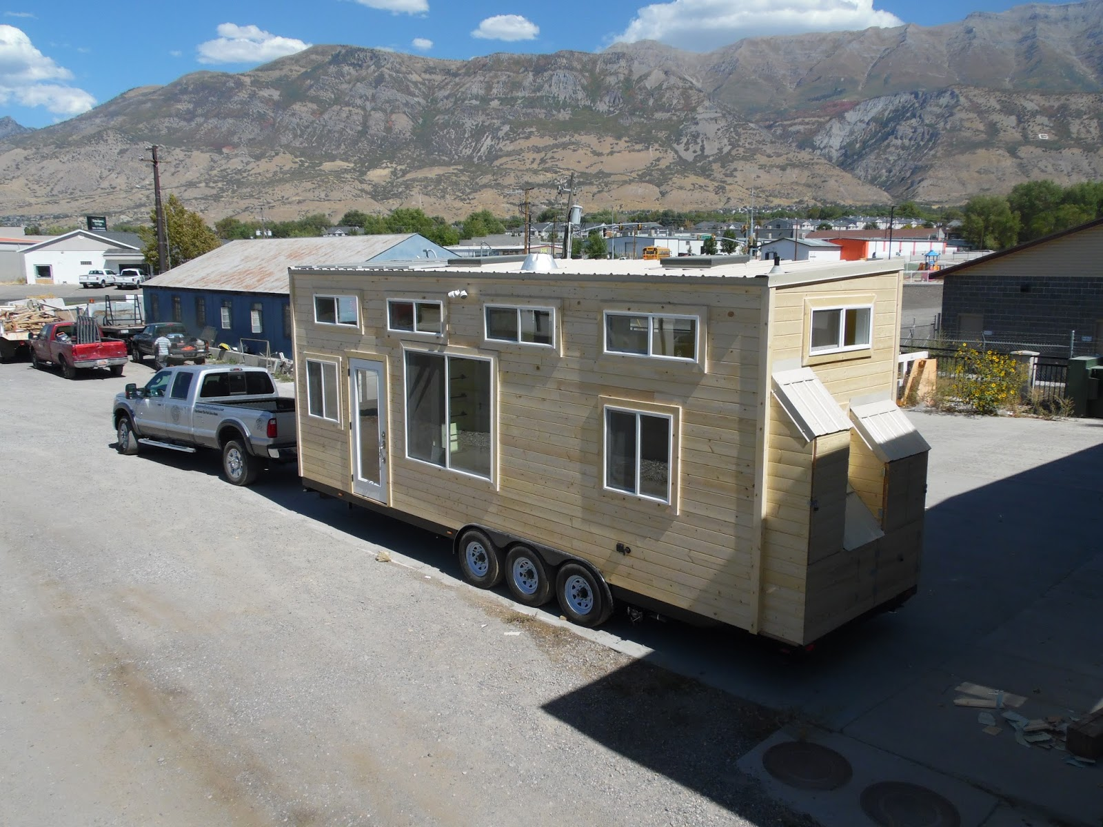 Tiny house town upper valley tiny home in durango 310 sq ft - The off grid tiny house ...