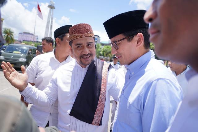 "Sandiaga Jenguk Pengasuh Pesantren Al Falah Kediri yang Sakit, ""Beliau Seperti Orangtua Saya Sendiri"""