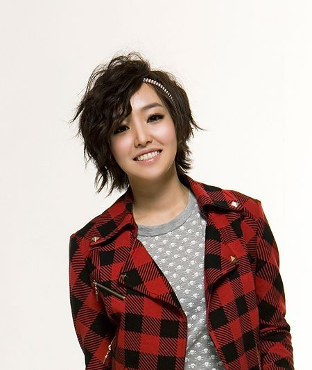 Younha's bautiful hairstyles