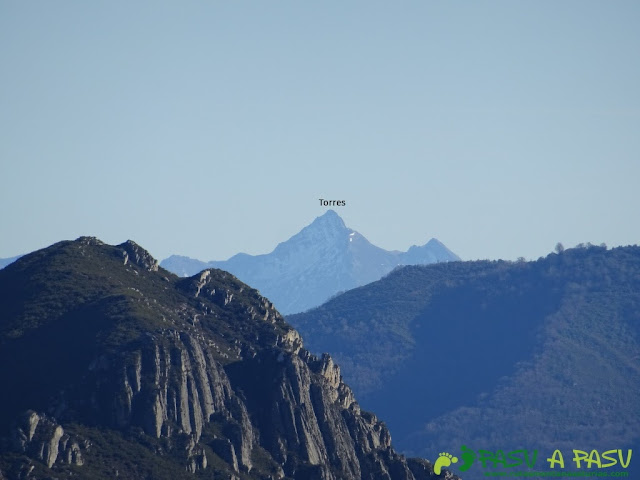 Vista del Torres desde Peña Gradura