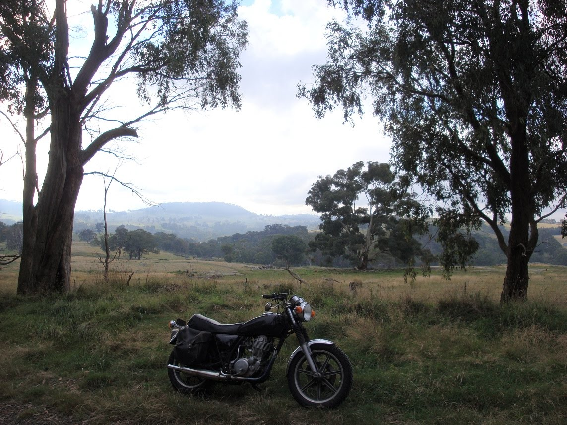 Contemplative Motorcycling: Yamaha SR500 / SR400 Review
