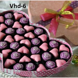 Melakoni Bisnis Jual Coklat Valentine