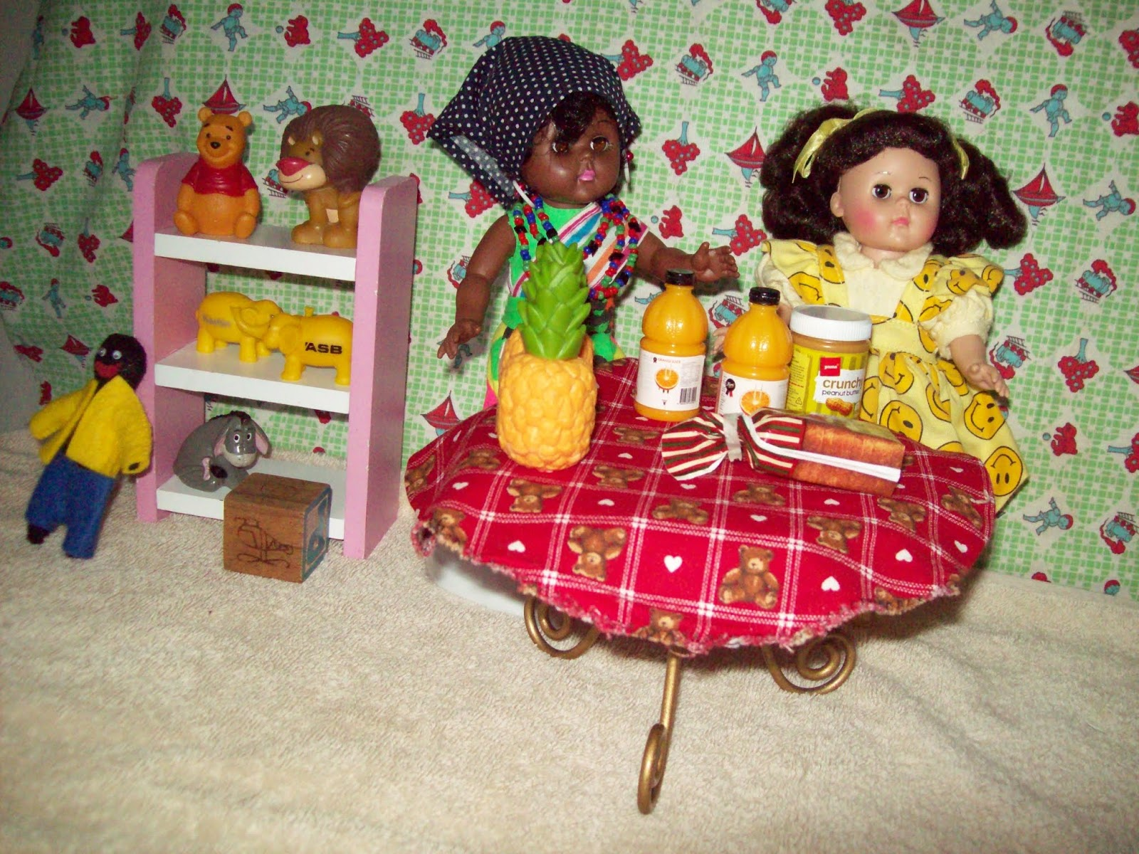 eaa0f1c3c4241 The first job they are asked to do is prepare the lunch for the baby girls.  Vaine is going to cut up the pineapple into small pieces and put orange  juice in ...