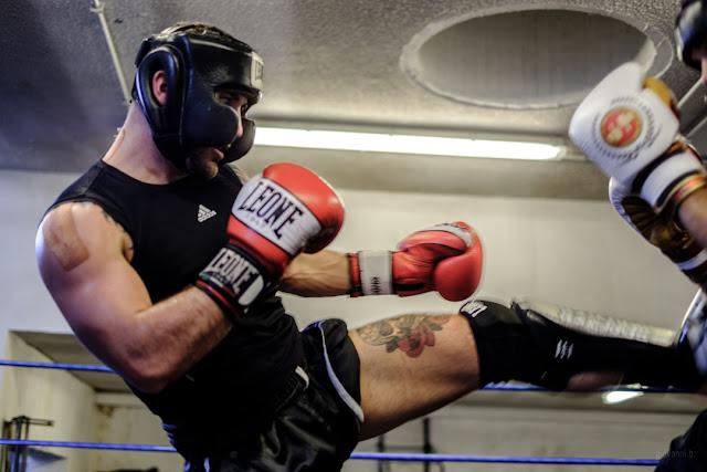 Fotografia di Davide Armanini campione del mondo K1 sul ring