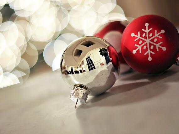 download besplatne pozadine za desktop 1152x864 slike ecard čestitke blagdani Božić kuglice za bor