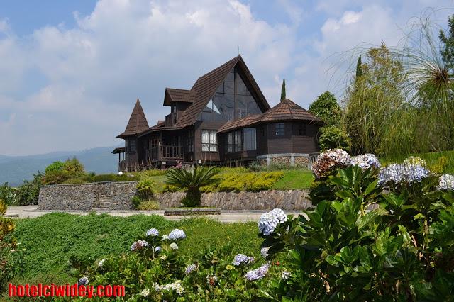 Berwisata dan menginap di villa kawah putih dari purbalingga