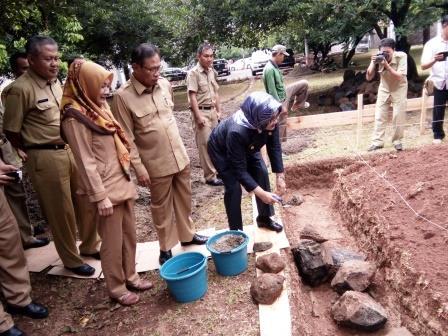 Peletakan Batu Pertama Pembangunan Masjid Baitul Hamdi di Kantor BKD