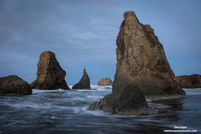 Morning light on sea stacks at Bandon Beach along the Oregon Coast, Oregon, USA.