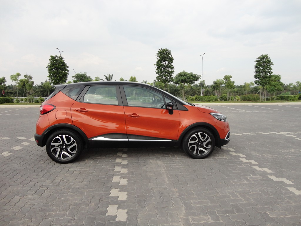 motoring malaysia test drive renault captur tce 120 edc. Black Bedroom Furniture Sets. Home Design Ideas