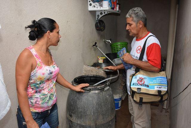 Cleonice Silva recebeu agente de saúde em sua residência. Foto: Francisco Campos