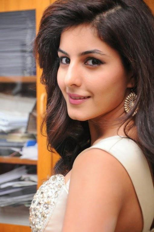 Actress Isha Talwar 2016 Latest Cute And Hot Gallery