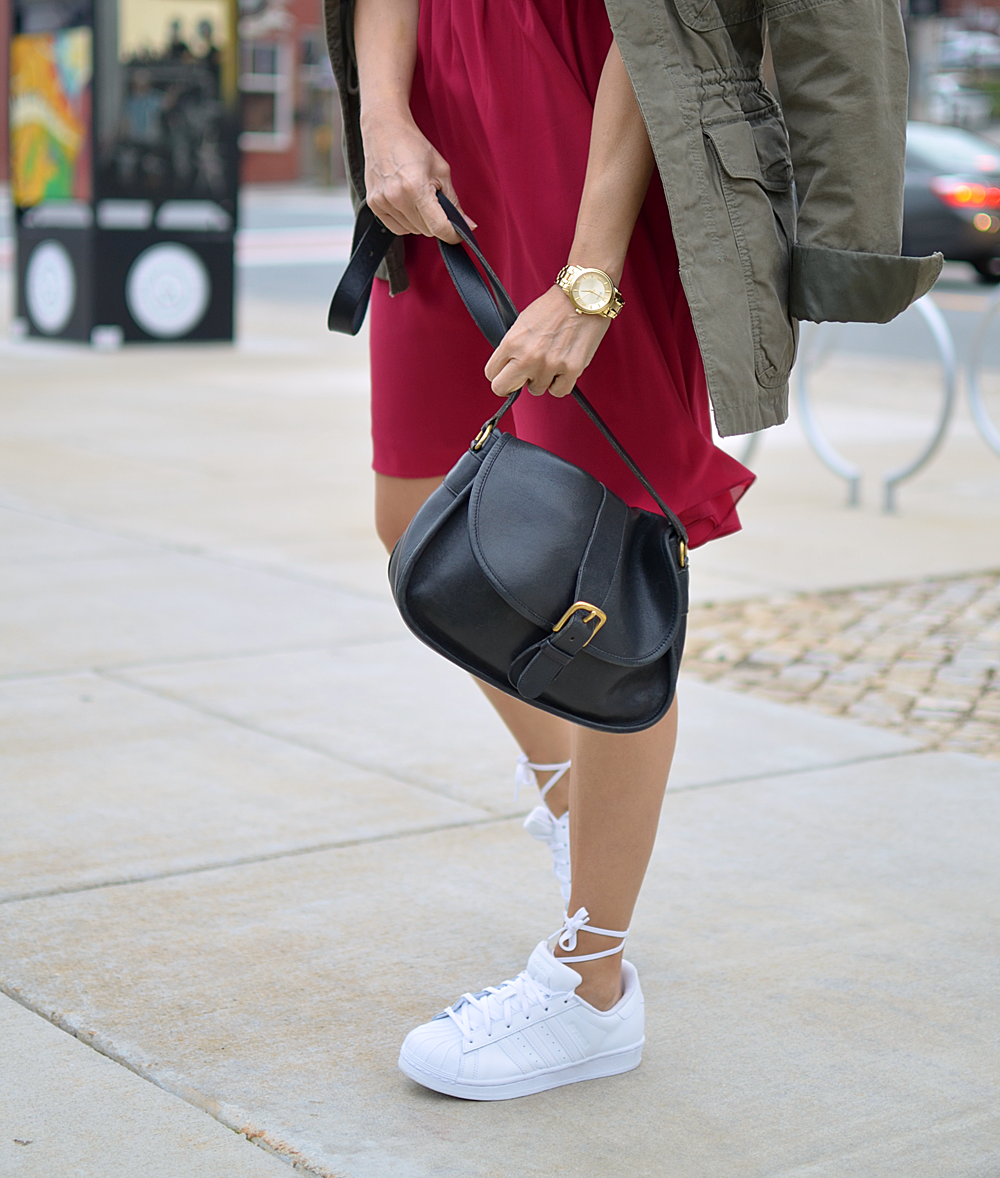 All white sneakers street style