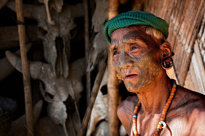 A Konyak warrior, Nagaland - Johan Gerrits photography