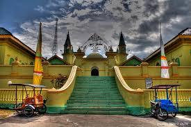 6 Tempat Wisata Di Kepulauan Riau Yang Terkenal