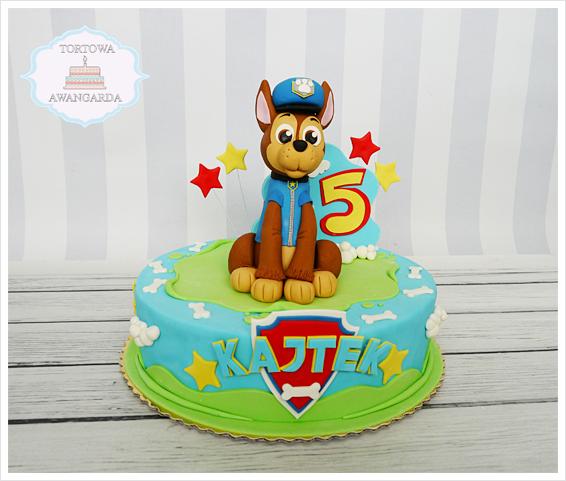 kolorowy tort Psi Patrol Chase przygotowany na urodziny chłopca Warszawa Paw Patrol