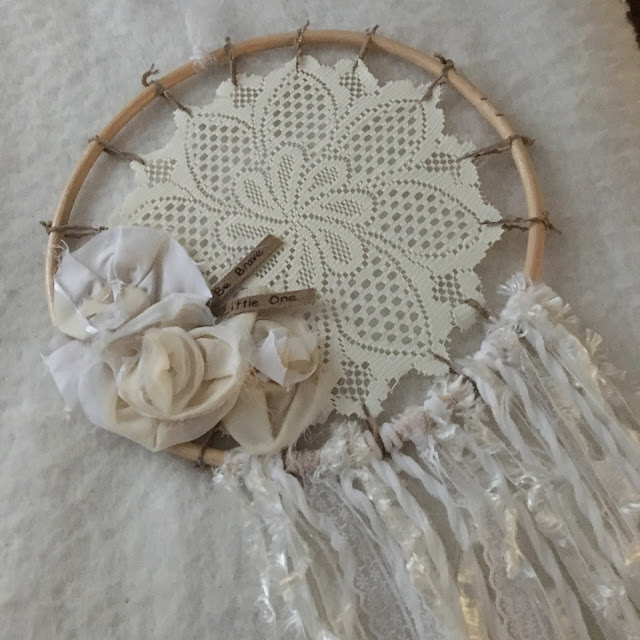 A Homespun Year...Dreamy Dreamcatcher DIY