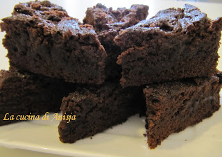 http://lacucinadianisja.blogspot.it/2013/03/brownies-al-caramello-salato.html